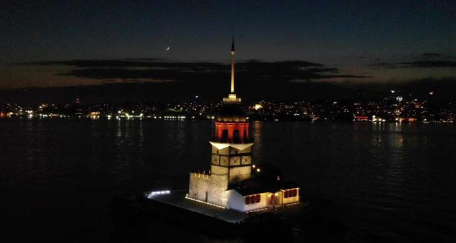 Tarihte bir dönem karantina hastanesi olan Kız Kulesi, hayran bıraktı