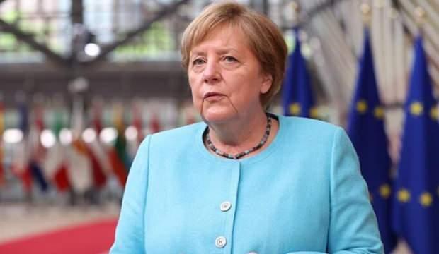 Merkel: Almanya'da aşı zorunluluğunu getirmeyeceğiz